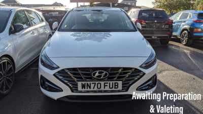 Hyundai i30 i30 MY21 Premium 1.0 120PS T-GDi 48V Manual 5 Door Hatchback Hybrid Polar White at Pebley Beach Cirencester