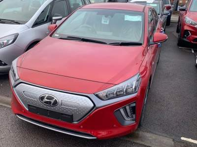 Hyundai Ioniq 1.6 Electric Premium SE 38.3 kWh MY20 5 Door Hatchback Hybrid Fiery Red at Pebley Beach Cirencester